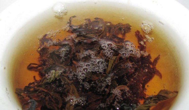 """Красный тайваньский летнего сбора Honey Flavour от """"Мэй Зест Ти""""."""